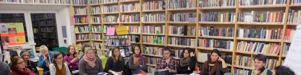 Gesprächsrunde in der aep-Bibliothek